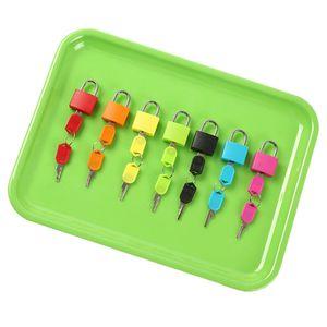 7 x Vorhängeschloss Schlösser mit 14 Schlüsseln, Montessori Spielzeug Farbspiel für Kinder, Kleinkinder