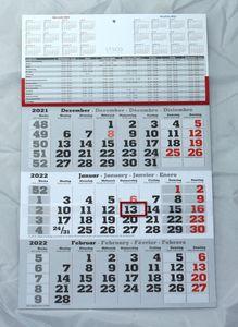 3 Monats Wandkalender 2022 mit Datumschieber in Rot, inkl. Ferienübersichten und Jahresüberblick Dreimonatskalender, 3 Monatskalender keine Werbung