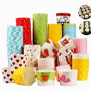 CANDeal 100 Stück Muffin Backformen aus stabilem Papier, groß Ø 5 cm, Muffinförmchen / Cupcake Backformen, Zufällige Farbe
