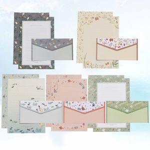 5 Sets / 45 Stück Blumendruck Briefumschlag und Briefpapier Schöne Schreibpapier Briefumschläge Kit Schulbriefpapier für die Schule (15 Briefumschlag + 30 Briefpapier, Grün + Grau + Pink + Blau + Braun)