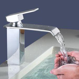 Wasserhahn Bad Wasserfall Waschtischarmatur Messing Verchromt Badarmatur Waschbeckenarmatur Bad Kaltes und Heißes Wasser Vorhanden, wasserhähne für bad Moderner Stil
