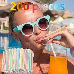 200 Stück Plastik Trinkhalme 8 Zoll lang mehrfarbig gestreift bettbar LUY200818678