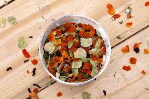 SALiNGO Hunde BARF Gemüseflocken 1kg - getreidefrei & für Allergiker geeignet