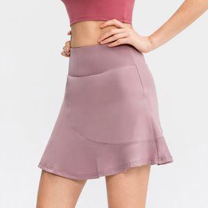 2 in 1 Damen Sportrock mit Shorts Taschen Quick Dry Rueschen Athletic Skorts mit hoher Taille fuer Golf Tennis Workout