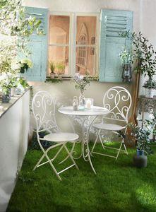 Bistro-Set White Romance (3-teilig), Maße: Stuhl 40 x 43 x 93 cm, Sitzhöhe 45 cm, Tisch Ø 60 x 70 cm