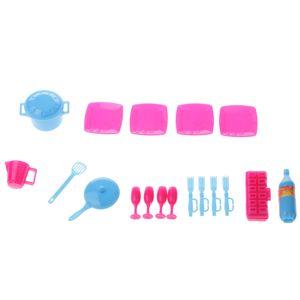 Plastikküchengeschirr des Puppenhauses 18pcs, das Installationssatz für Barbie-Puppenzubehör kocht Rosa