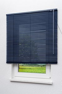 Lysel Outlet Alujalousie 25mm in Dunkelblau in den Maßen (B x H) 140cm * 160cm