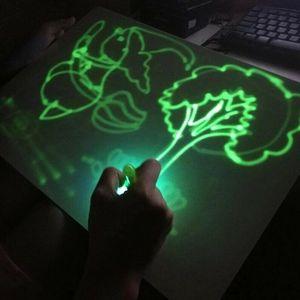 Kinder zeichnen mit Licht, das Spielzeug entwickelt, das Malbrett-Bildungs-Geschenkanzug zeichnet - A3