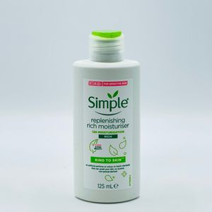 Simple Reichhaltige Feuchtigkeitscreme 12h  Effekt 125ml