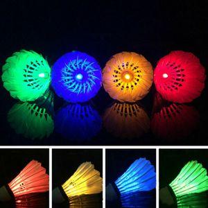 4 Stück LED Federball Badminton Bälle Set Dark Night Glow Birdies Beleuchtung Re-Multicolor