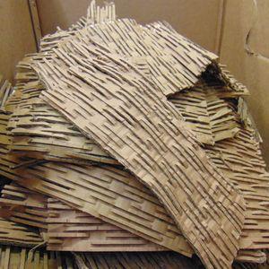 Verpackungsmaterial / Füllmaterial / Packpolster / Pappschreder aus geschredderten Kartonagen, ideale Polstereigenschaften - 56 Liter, 4 kg