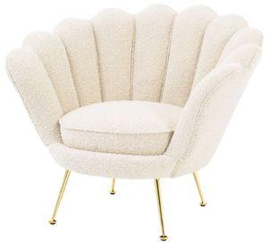 Casa Padrino Designer Art Deco Wohnzimmer Sessel Weiß / Messingfarben 96,5 x 79 x H. 78 cm - Luxus Wohnzimmermöbel