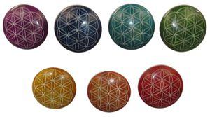 7 Handschmeichler mit der Blume des Lebens in den Chakra-Farben