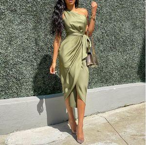Oblique Shoulder Dress Damen Kleid mit unregelmaessigen Riemen und Guertel S