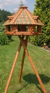 XXL Luxus Vogelhaus mit Solarbeleuchtung absoluter Blickfang, Vogelfutterhaus aus Holz, V13 XXL mit Ständer, Farbe:Braun - Grün