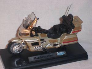 Honda Goldwing Gold Wing Beige 1/18 Welly Modellmotorrad Modell Motorrad