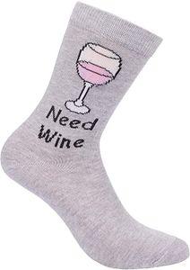 BRUBAKER Lustige Wein Socken Need Wine Baumwolle - Witziges Geschenk für Frauen, Weinliebhaber, Wein Zubehör