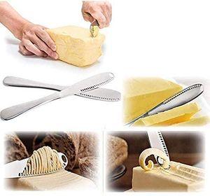 3-in-1-Buttermesser, multifunktionaler Butterclip aus Edelstahl und Streuer mit gezackten Kanten, zerkleinerte Rillen zum Schneiden von Gemüse, Obst und Käse, 2 Silber