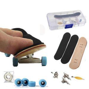 Fingerskateboard Set Holz Fingerboard Mini Finger Skateboard Spielzeug für Kinder