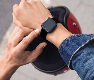 Fitbit Versa - 3,4 cm (1.34 Zoll) - LCD - Touchscreen - WLAN - GPS - Schwarz