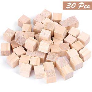 Holzwürfel 30 Stück - Bastelwürfel 3x3cm - Natürlich Unfertige Holzblöcke - Holzwürfel Blanko Deko Holz Basteln Holz Quadrat Würfel Natur Deko zum Basteln Malen DIY Handwerk Dekoration