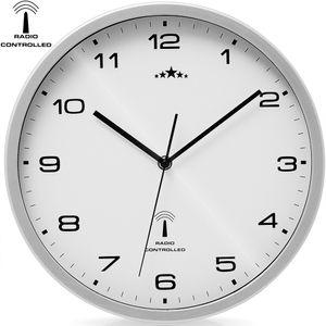 Monzana Wanduhr Funk Automatische Zeitumstellung Geräuscharm Quarzuhrwerk Analog 31cm Indoor Funkuhr Uhr Modern Weiß Silber