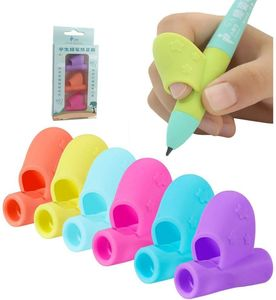 Bleistift Griffe Kinder Stifthalter Stift Schreibhilfe Grip Haltung Korrektur Werkzeug Silikon Bleistifte Training Grip (6 Packungen)(Zufällige Farbe)