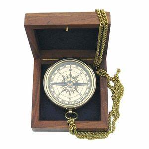 Taschenkompass, Magnet-Kompass mit Ankergravur und Kette in Holzbox, Messing