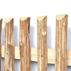 Zaunlatten aus Haselnuss - Zaunbretter 9-10 x 200cm zum Selbstbauen von Holzzaun, Lattenzaun, Staketenzaun bzw. Kastanienzaun