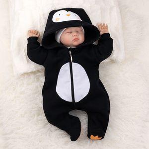 Baby Sweets Unisex Tier Strampler Overall schwarz Pinguin Newborn (56)