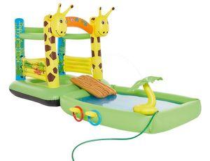 Happy People Hüpfburg und Pool Giraffe, mit Sprühfunktion