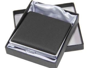"""ATTUY® """"Luxus Stuttgart"""" hochwertiges Premium Zigarettenetui - Echtes Leder / Kuh-Leder in der Geschenkbox für 20 Zigaretten, Farbe silber-schwarz, Etui mit Metallspange / Klammerhalterung"""