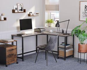 VASAGLE Schreibtisch 2 Ablagen Holzoptik Metallgestell 138 x 138 x 75 cm einfacher Aufbau Computertisch Eckschreibtisch Greige-schwarz LWD72MB