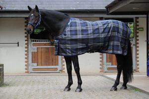 Bucas Celtic Stable Medium Stalldecke 150 g -120 cm tartan karriert