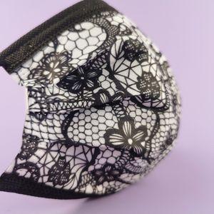500 Stück Weihnachtsmaske Erwachsene Mundschutz mit Motiv Einweg Bandana,DREI Schichten Ohrhaken Mund und Nasenschutz Multifunktionstuch Halstuch für Herren Damen