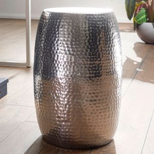WOHNLING Beistelltisch PEDRO 30x49,5x30cm Aluminium Silber Dekotisch orientalisch rund | Kleiner Hammerschlag Abstelltisch | Designer Ablagetisch Metall modern | Anstelltisch schmal
