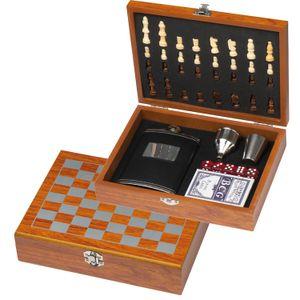 Spieleset / bestehend aus Flachmann, Schach- und Kartenspiel