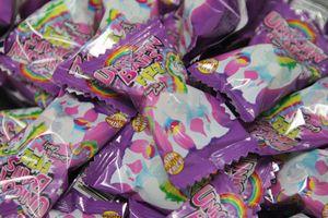 Boom Unicorn Kaugummi Fizz Bonbons mit Brausepulver einzeln 5g