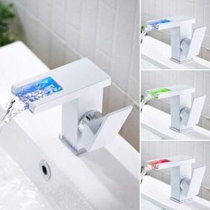 LED Wasserfall Badarmatur Einhandmischer Wasserhahn Bad Waschtisch Waschbecken Armatur Weiß Beckenarmaturen