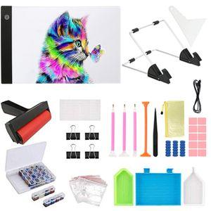 Werkzeugsets 133 Teile DIY Diamond Painting Kit, mit A4 Tracing Light Box, Diamantstift, 28 Slots Aufbewahrungsbox, Etikettenaufkleber, Leimton, Walze, PVC-Beutel usw...