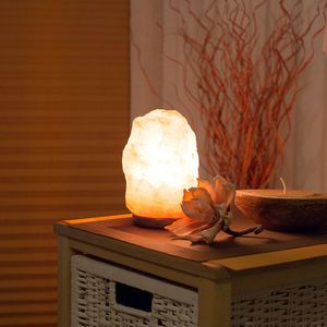 Salzkristall-Lampe, Salzstein, Lampe mit Leuchtmittel, Höhe ca. 15-20cm, 1,5-3kg