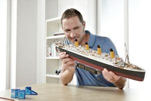 """Revell Geschenkset """"100 Jahre Titanic"""" - Schiff-Modellbausatz; 5715"""