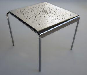 Tempesta hochwertiger Outdoor Tisch aus Edelstahl 1.4016 silber lackiert und behandelt