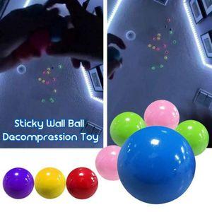 4 Stück Fluoreszierende klebrige Wandkugel klebrige Zielkugel Dekompression Spielzeug, Sticky Wall Ball Dekompressionsspielzeug, Stressabbauer