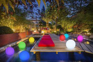 LED Solar Kugelleuchte BONETTI 30 cm mit 8 Farben Wasserfest