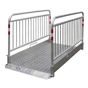 Schake Grabenbrücke Secure aus Aluminium mit Sicherheitsgeländer 2,20m lang