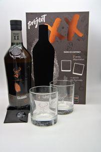 Glenfiddich PROJECT XX Single Malt Scotch Whisky 47% Vol. 0,7 l + GB mit 2 Gläsern und schwarzem Sal