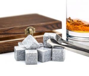 """9er Set Whisky-Steine Premium Selection in edler Box Geschenk Set Whiskysteine für Getränke """"on the rocks"""" Eiswürfel Kühlsteine Whiskeysteine in Holzbox mit Samtbeutel und Zange"""