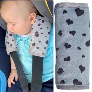 HECKBO® Baby Schale Gurtschoner mit Herzen - Sicherheitsgurt Schulterpolster Schulterkissen Gurtschoner Autositze Gurtpolster - Schutz vor Einschneiden des Gurtes