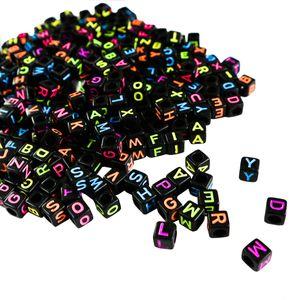 Alphabet Neon Buchstabenperlen - 1000 Stuck (5 x 5mm) Quadratische Acryl-Buchstaben Bunte Perlen für DIY Armband, Halsketten-Herstellung, Kinderschmuck Bastelperlen, Qualitäts-Spaß und Ergebnisse